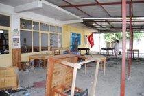 Zerstörtes Café in Dörtyol, Türkei; Foto: Ayse Karabat