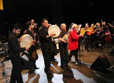 Azrié und Band in Berlin; Foto: Suleman Taufiq
