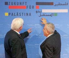 Ex-Außenminister Steinmeier und palästinensischer Ministerpräsident Fayyad; Foto: dpa