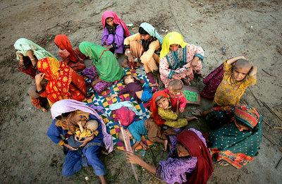 Opfer der Flutkatastrophe in Pakistan; Foto: AP