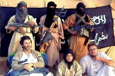 Spanische Al-Qaida-Geiseln Roque Pascual Salazar (unten rechts) and Albert Vilalta (unten links); Foto: dpa