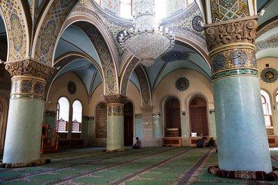 Gebetsraum der Juma-Moschee in Baku; Foto: Klaus Heymach