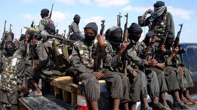 Al-Shabab-Milizionäre in Mogadischu; Foto: AP/Farah Abdi Warsameh