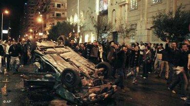 Nach dem Bombenanschlag auf eine Kirche in Alexandria; Foto: AP