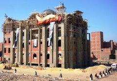 Von Sicherheitskräften abgeschirmte Kirche im Kairoer Stadtteil Omraneya; Foto: Amira El Ahl