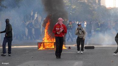 Straßenschlachten in Belcourt, Algiers; Foto: AP