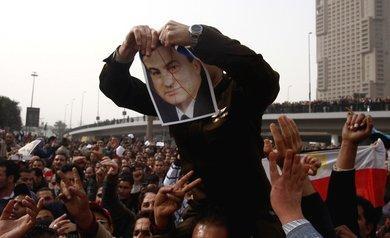 Demonstration gegen Hosni Mubarak am Tahrir-Platz in Kairo; Foto: AP