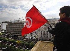 Demonstrant während einer Protestveranstaltung gegen Ben Ali in Tunis; Foto: AP