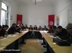 Opposition berät in der tunesischen Hauptstadt Tunis nach dem Sturz Ben Alis; Foto: DW