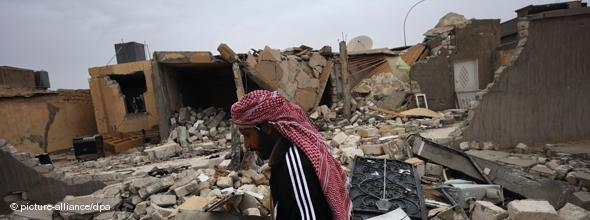 Zerstörtes Haus in Ajdabiya; Foto: dpa