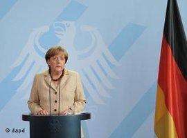 Angela Merkel äußert sich vor der Presse zum Tod Osama Bin Ladens; Foto: dapd