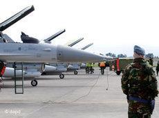 NATO-Kampfjets vor dem Einsatz gegen Gaddafis Truppen in Libyen, Foto. dapd