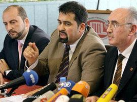 Aiman Mazyek, Vorsitzender des Zentralrats der Muslime in Deutschland bei einer Pressekonferenz; Foto: dpa
