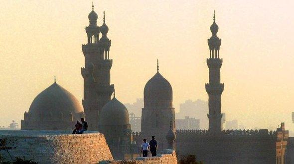 Blick auf die Sultan Hassan-Moschee in Kairo; Foto: dpa