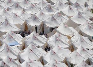 Zeltstadt in Boynuyogun: Laut türkischen Angaben sind schon mehr als 10.000 Syrer in das Nachbarland geflohen; Foto: dpa
