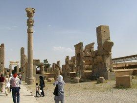 Iranische Touristen in Persepolis; Foto: Elisabeth Kiderlen