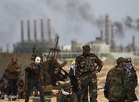 Libysche Aufständische bei Ras Lanuf; Foto: dapd