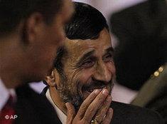 Ahmadinedschad; Foto: AP