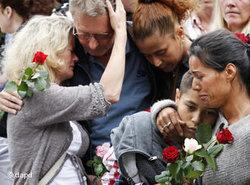 People mourning in Oslo (photo: dapd)
