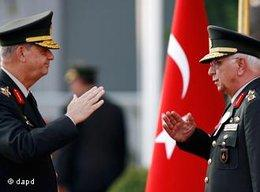 Rücktritt von General Koşaner; Foto: AP
