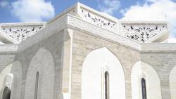 Heute befindet sich in dem rund 1.000 Einwohner zählenden Dorf Qardaha das Mausoleum des ehemaligen Staatschefs Hafiz al-Assads; Foto: AP