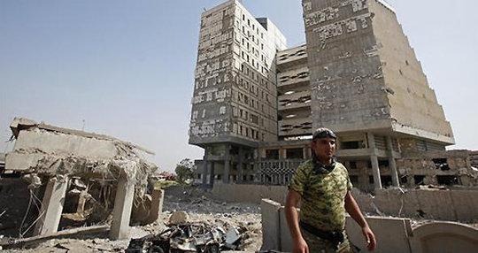 Nach dem Anschlag auf das irakische Finanzministerium am 19. August 2009; Foto: AP