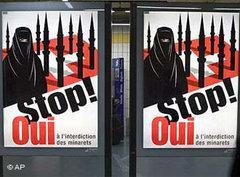 Plakat der Rechtspopulisten für ein Bauverbot für Minarette in der Schweiz; Foto: AP