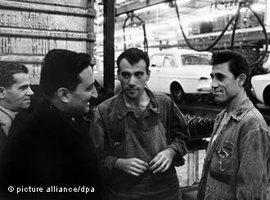 Türkische Gastarbeiter in der deutschen Fabrik Ford Köln; Foto: dpa