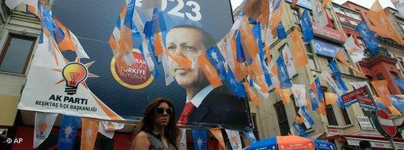 Wahlkampf der AKP; Foto: AP