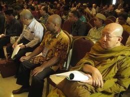 Vertreter verschiedener Religionsgemeinschaften begehen gemeinsam das 20jährige Jubiläum von Interfidei; Foto: Anett Keller