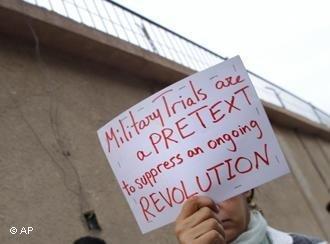 Proteste von Anhängern Abdel Fattahs vor dem Gefängnis in Kairo; Foto: