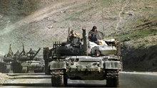 A convoy of Soviet tanks on a road leading to Kabul in 1988 (photo: AP)