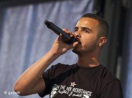 El General auf einem Konzert im Rahmen des Poesiefestivals in Berlin im Juni 2011