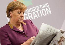 Angela Merkel auf dem Neujahrsempfang der Deutschlandstiftung Integration 2012; Foto: dapd