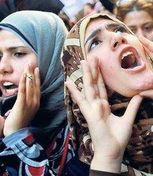 Frauendemonstration am Tahrirplatz 2011; Foto: dpa