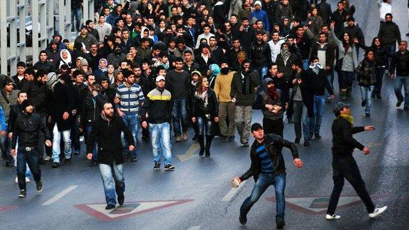 PKK ruft Kurden zum Aufstand gegen die Türkei auf; Foto: dapd