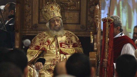 Shenouda III., Patriarch von Alexandria bei der koptischen Mitternachtsmesse am 6. Januar 2012; Foto: AP/dapd