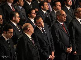 Gamal Mubarak, Sohn des ehemaligen ägyptischen Präsidenten Hosni Mubarak, bei der Weihnachtsmesse in der koptischen Kathedrale Kairos; Foto: AP