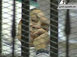 Hosni Mubarak vor Gericht; Foto: Egyptian State TV/AP/dapd