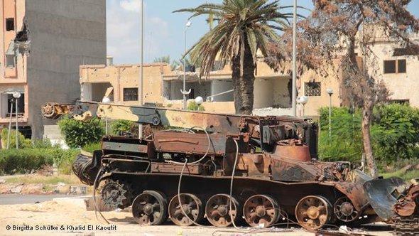 Zerstörter Panzer in Misrata; Foto: DW