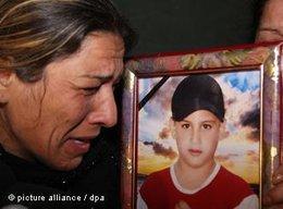Syrerin in Hama trauert um ihren getöteten Sohn; Foto: dpa