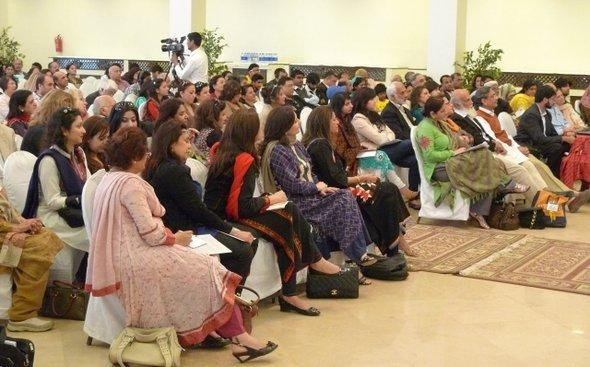 An impression of the audience of the Karachi Literature Festival (photo: Stefan Weidner)