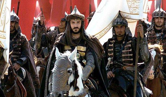 Sultan Mehmed II. (Mitte) in Fetih 1453; Foto: Kinostar/PR