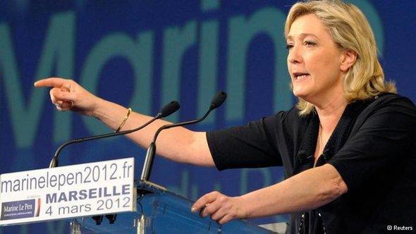 Marine Le Pen während einer Wahlkampf-Veranstaltung in Marseille; Foto: AP