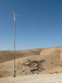Windanlage in der jordanischen Wüste; Foto: DW