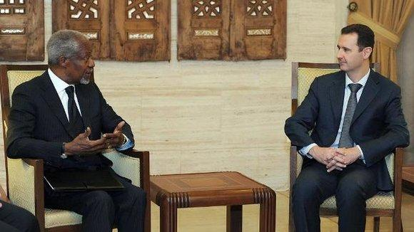 Kofi Annan im Gespräch mit Baschar al-Assad; Foto: dpa