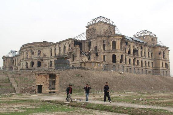 Der im Bürgerkrieg vollständig zerbombte Darulaman-Palast; Foto: Marian Brehmer