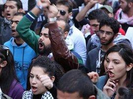 Protest von Jugendlichen in Beirut; Foto:©  Dareen Al Omari