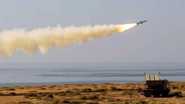 Iranischer Raketentest am Persischen Golf; Foto: IRNA