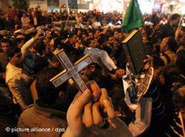 Kopten und Muslime demonstrieren gemeinsam in Kairo; Foto: dpa